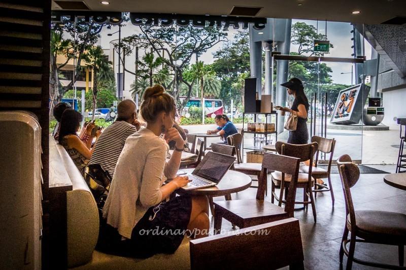 One KM Mall - Starbucks