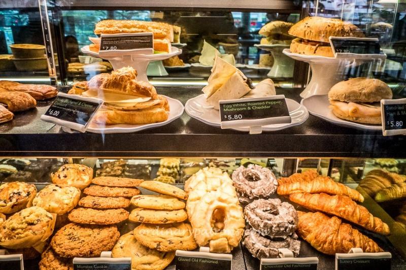 Starbucks @ One KM Mall