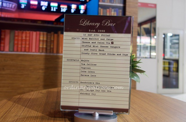 f1-singapore-2016-paddock-club-library-bar-2