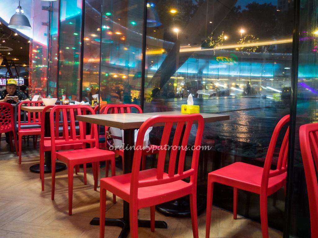 Eat at Fountain Court Suntec City