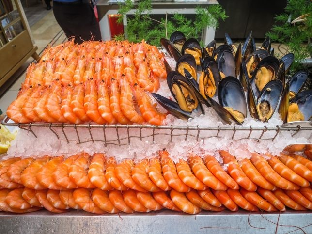 Seafood - Buffet at Colony