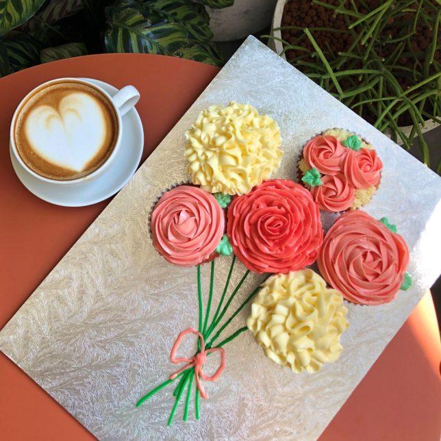 SPRMRKT Mothers Day Cupcake bouquet
